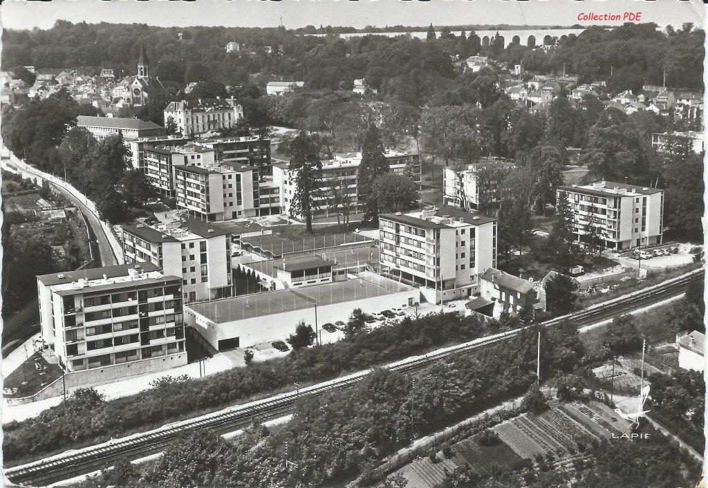 20200412 Residence PArc du Chateau 1 PDE